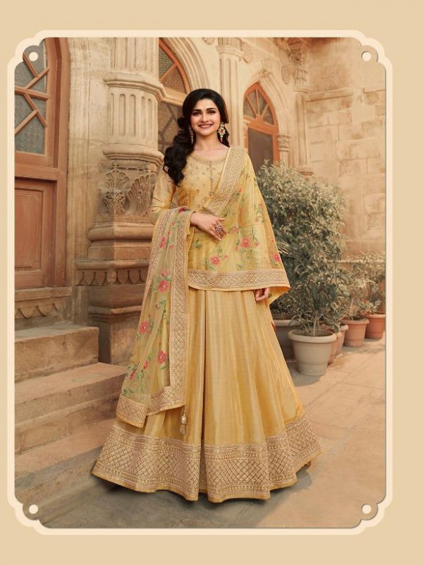 Dola Silk Party Wear Gown In Golden With Embrodiery Work