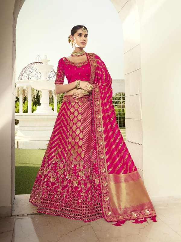 Pure Banarasi Silk Wedding Lehenga in Pink Color With Embroidery  work