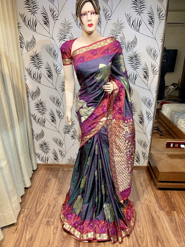 Pure Banarasi Silk Wedding Wear Saree In violet With Handwork
